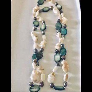 Jewelry - Pearl agate multicolored necklace 36 inches